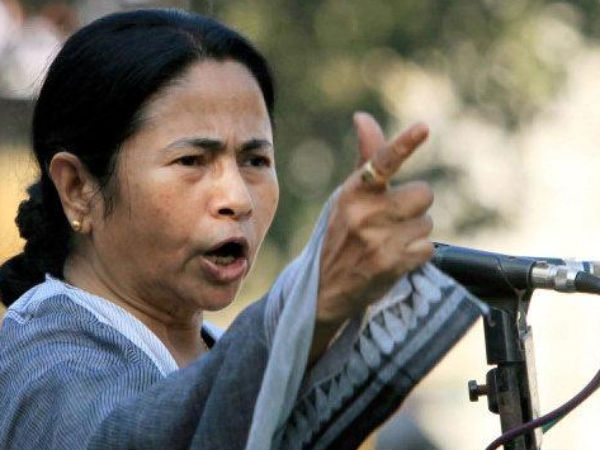 Mamata takes dig at Cong, Left