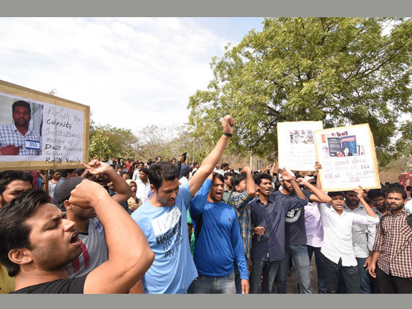 JNU students begin hunger strike