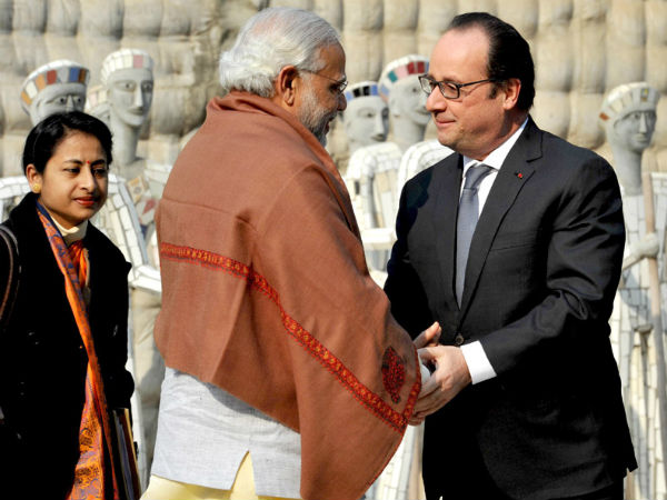 PM Modi with Francois Hollande in Chandigarh