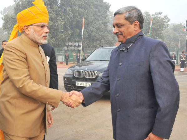 PM Modi, Defence Manohar Parrikar at Rajpath on R-Day