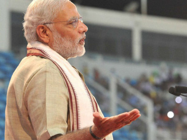 PM Modi sends SMSes to 18 lakh cops