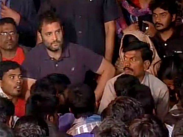 Rahul in Hyd join candle light march