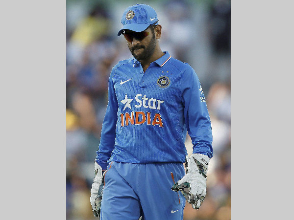 A dejected MS Dhoni during the 1st ODI in Perth