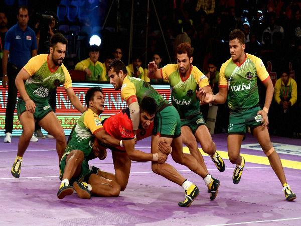 Patna Pirates vs Jaipur Pink Panthers Pro Kabaddi Season 4 Final