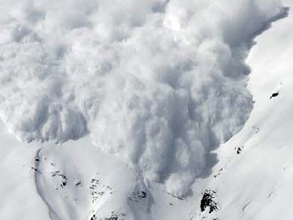Avalanche claims lives of ten army personnel in Siachen
