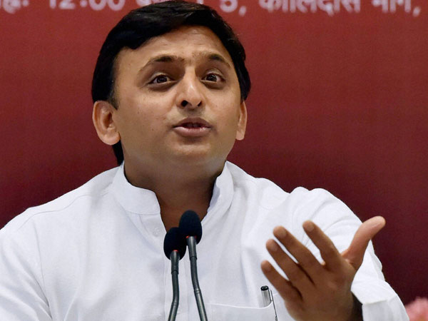 BJP slams Akhilesh for asking electors to take money but vote