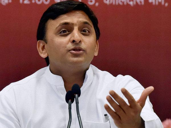 Akhilesh Yadav cleared 13 mining leases on a single day, claims CBI