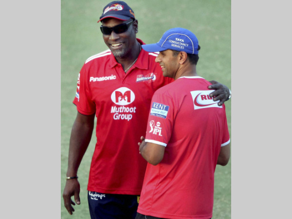 File photo: Richards (left) with Rahul Dravid during the Indian Premier League (IPL)