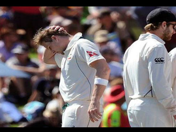 Smith's 'head knock' stunned fans!