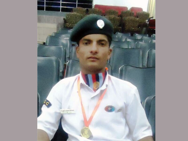 Son of daily wager in J and K to join Army