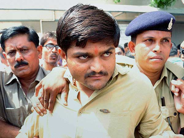 I too was offered money: Hardik Patel's father.