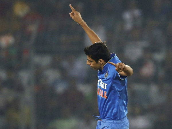 Ashish Nehra celebrates a Bangladesh wicket in Asia Cup T20 opener