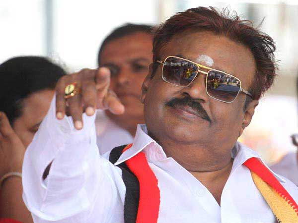 Are Tamil Nadu Politicians threatening Kollywood as Rajini and Kamal hint their Political moves?