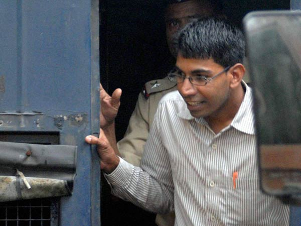 File Photo: German Bakery blast accused Himayat Mirza Baig is produced at Bombay High Court in Mumbai