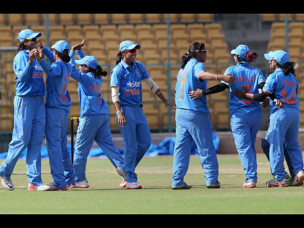Pakistan women beat India by two runs via D/L method in WT20