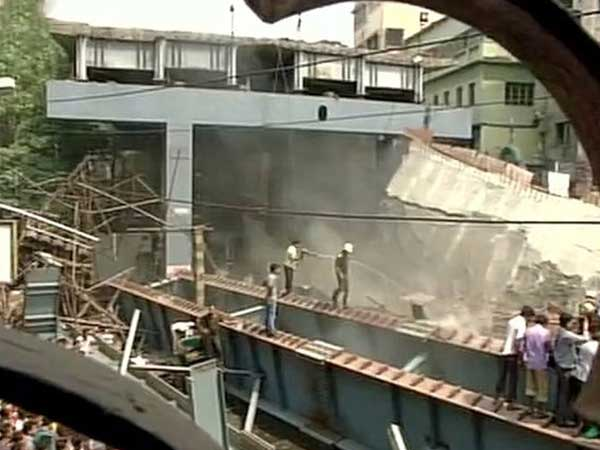 CCTV footage of Kolkata flyover collapse goes viral