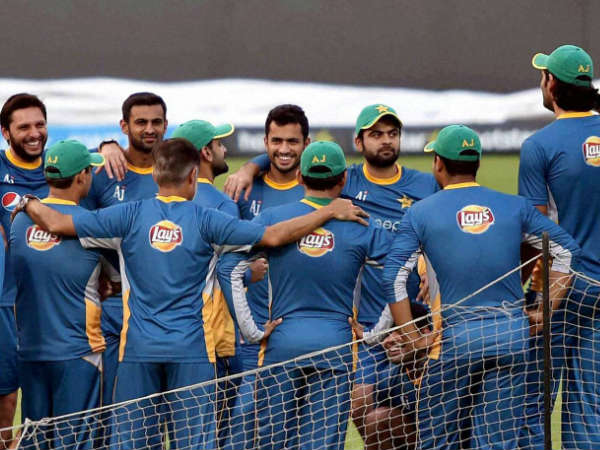 Pakistan players in a huddle during a practice session in Kolkata at World T20