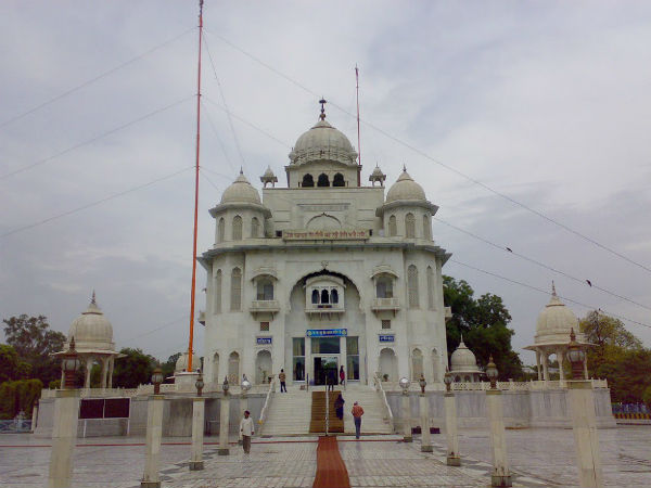 Sikh temple reopened in Peshawar