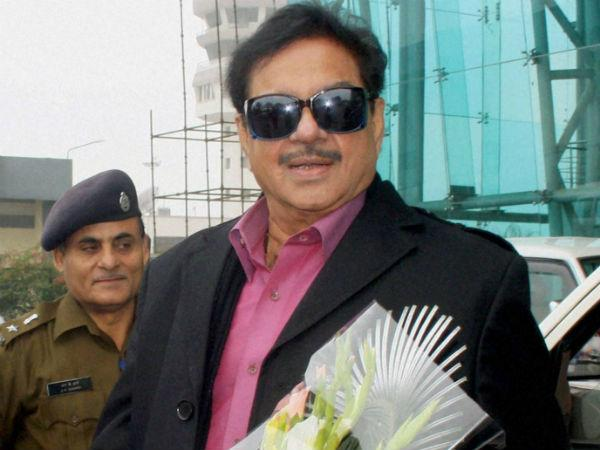 "Shatrughan describes Nitish as ""brother"""