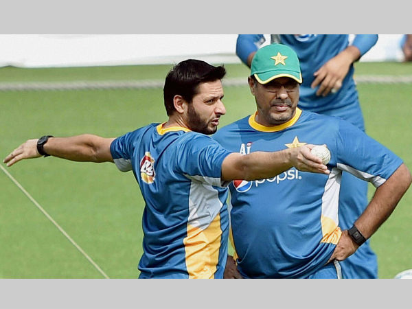 Shahid Afridi (left) with Waqar Younis during their World T20 practice session at Eden Gardens in Kolkata on Sunday (March 13).