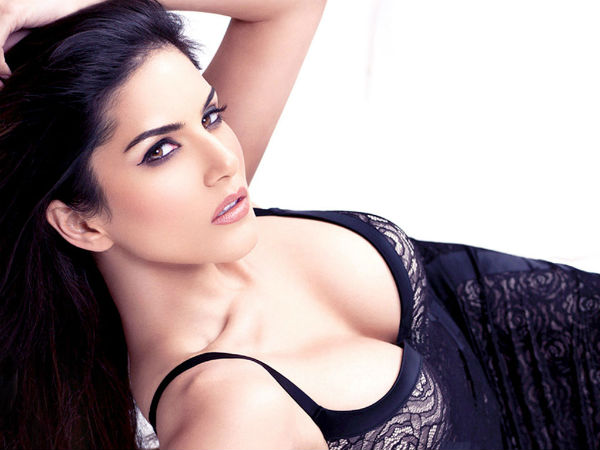Trouble for Sunny Leone!