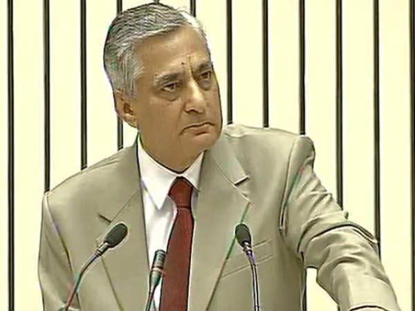Chief Justice TS Thakur breaks down in tears in front of PM Modi over criticism of judiciary.