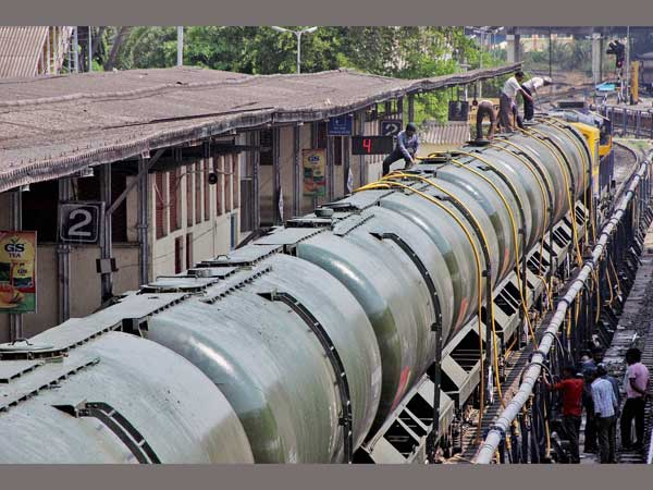 Workers fill water in Central Railway train tanks to transport to drought affected Latur District from Miraj station near Sangli