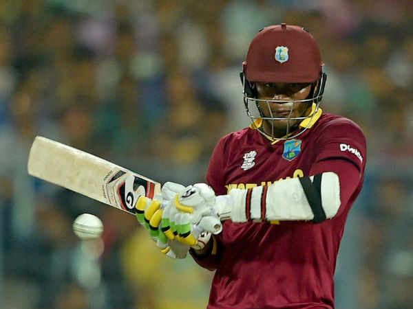 Marlon Samuels bats during the World T20 final in Kolkata