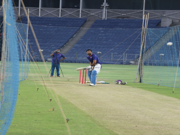 MS Dhoni during practice session with new team Rising Pune Supergiants