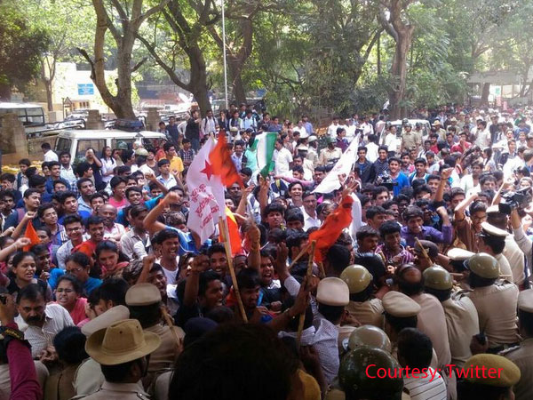 B'luru: ABVP joins students in protest
