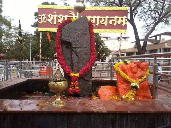 Shani Shingnapur allows entry for women
