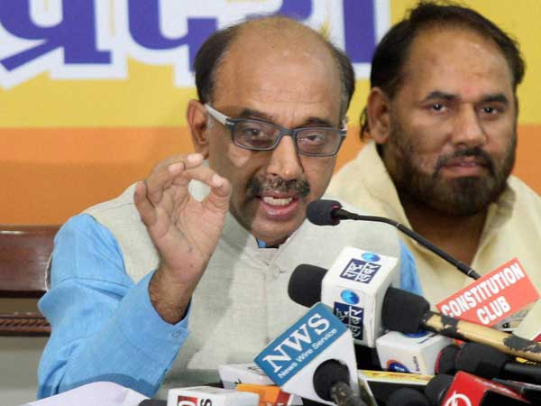 Will give roses to protest odd-even scheme: BJP leader Vijay Goel
