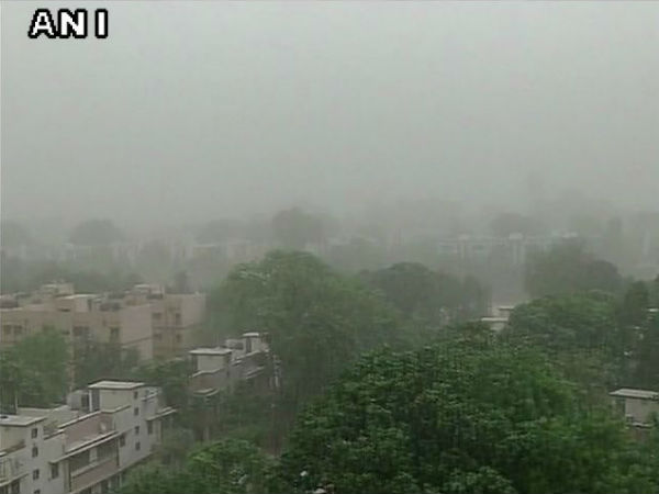 In pics: Dust storm in Delhi-NCR
