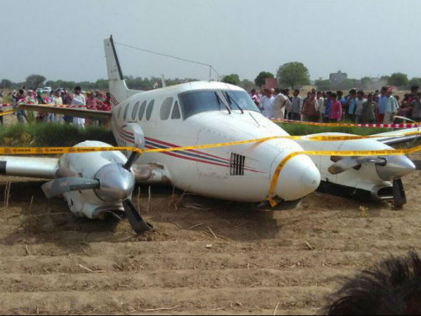 Small plane crashes in Delhi