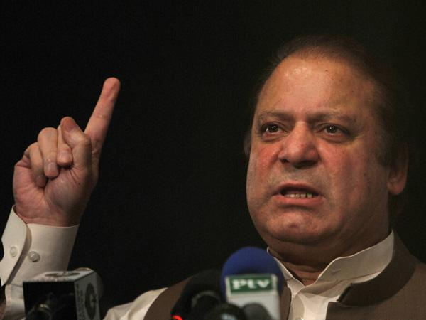 Pak PM Nawaz Sharif compares his political opponents to 'terrorists'