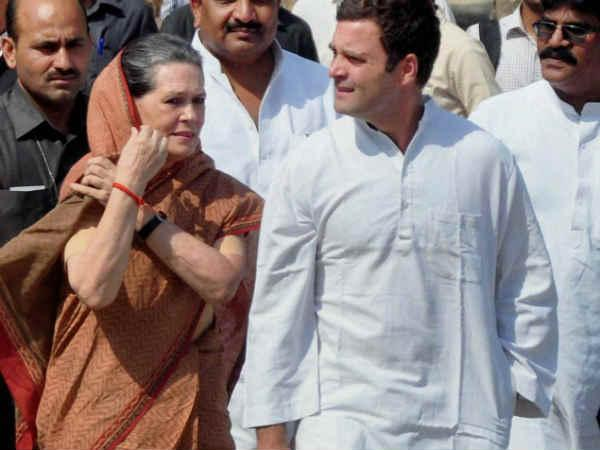 Sonia, Rahul detained, releases later