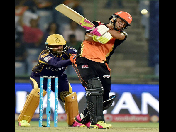 IPL 9: Yuvraj Singh's fiery knock turned the tides for Sunrisers, says Aakash Chopra