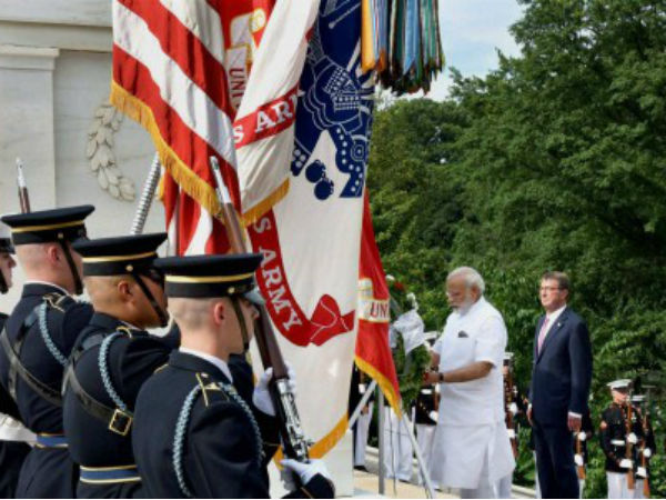 PM lays wreath at Tomb of unknown soldier in Washington