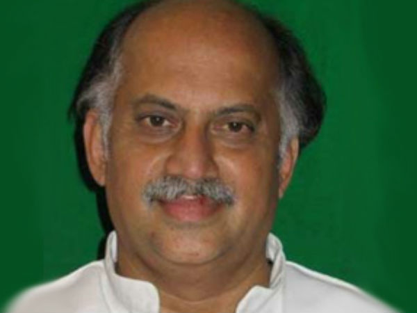 Senior Congress leader Gurudas Kamat quits all party posts