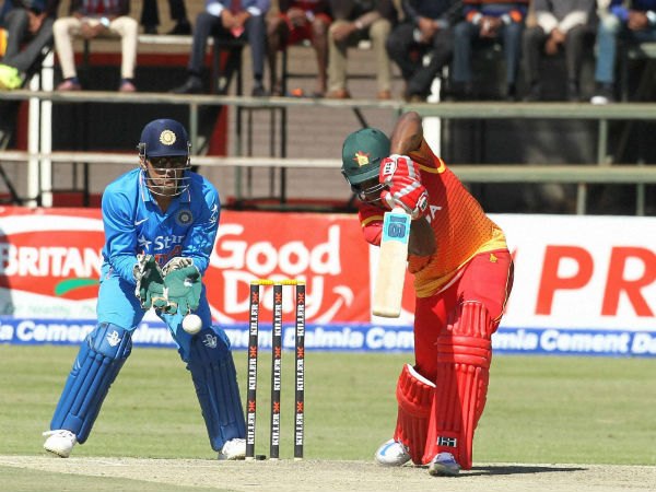 When MS Dhoni was hit by flying bail, continued wicket-keeping with 'blurred vision and pain'