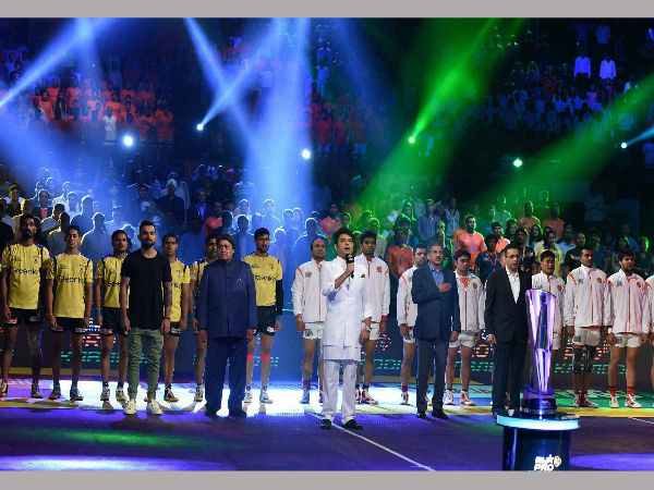 omedian Kapil Sharma sings the national anthem, also seen in the picture cricketer Virat Kohli and Anand Mahindra during the opening ceremony of the Pro Kabaddi league in Mumbai on June 25.