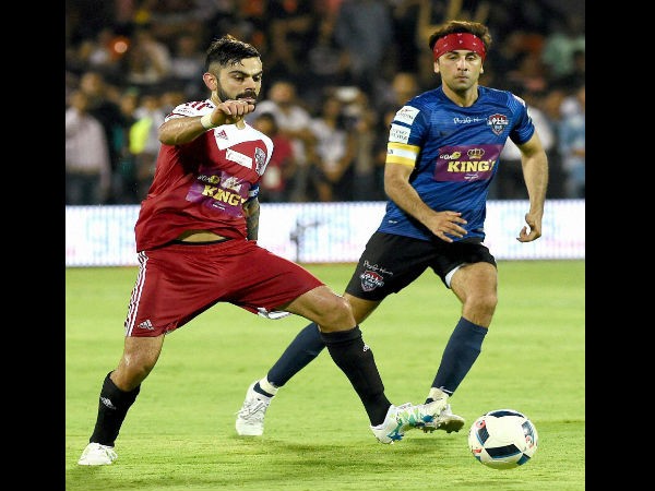 Bollywood v/s cricketers football match end in draw