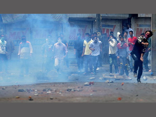 Kashmir Cauldron: Peaceniks appeal to security forces, angry youth to end violence..
