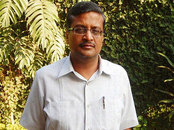 Ashok Khemka tops LLB entrance test