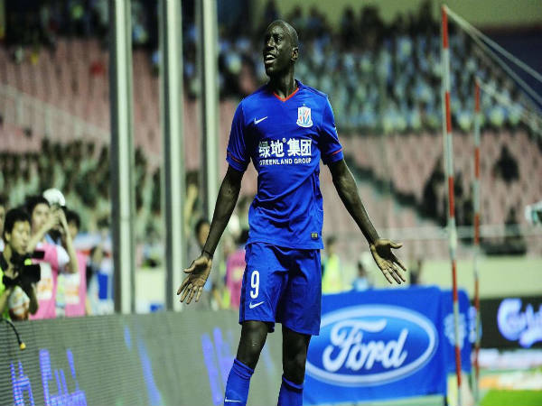 Demba Ba in action for Shanghai Shenhua (Image courtesy: twitter)