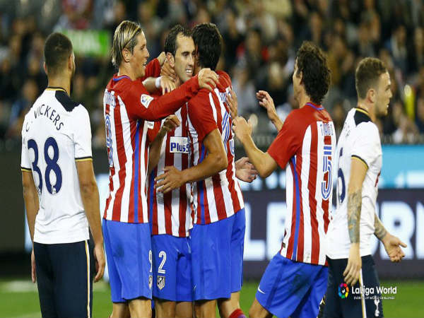 Diego Godin celebrates with his teammates after scoring against Tottenham Hotspur (Image courtesy: Atletico Madrid Twitter handle)