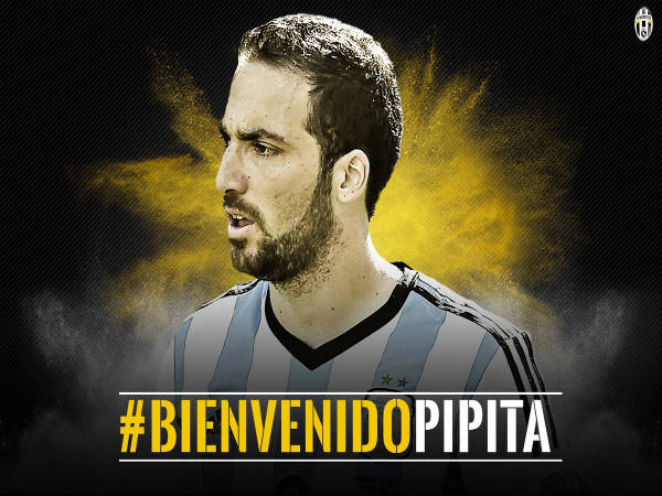 Gonzalo Higuain signs for Juventus for €90 million (Image courtesy: Juventus Twitter handle)