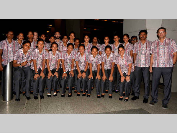 Indian women's hockey team with the support staff