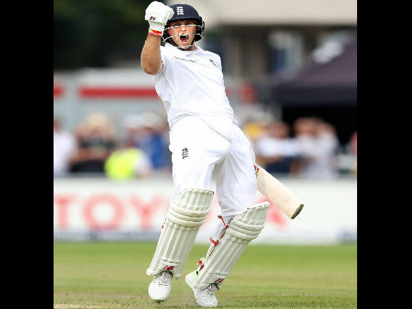 Joe Root celebrates his double ton against Pakistan on Saturday (July 23)
