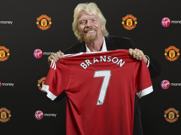 Virgin Money owner Richard Branson with a Manchester United jersey (Image courtesy: Manchester United twitter)